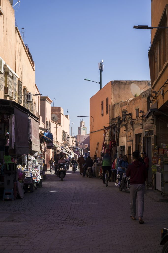 incontournables lors d'un séjour à Marrakech - Ruelle de la Medina
