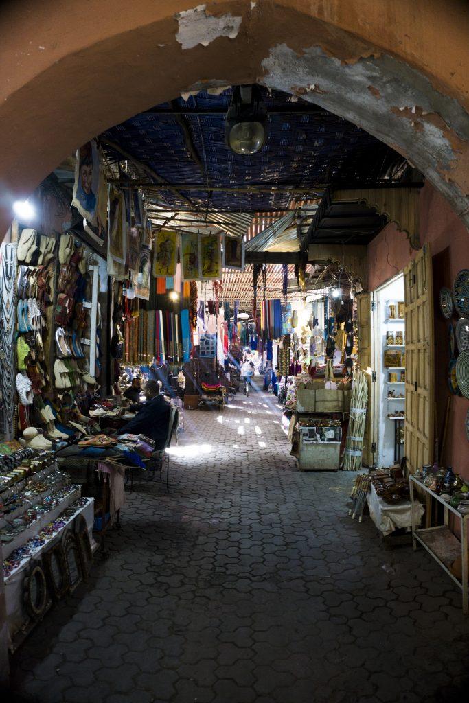 Allée Médina Marrakech -les incontournables lors d'un séjour à Marrakech