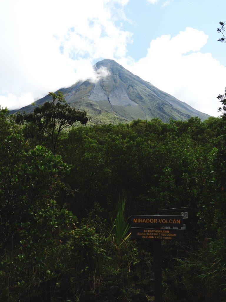Sendero-Ceibo-Arenal-Volcano
