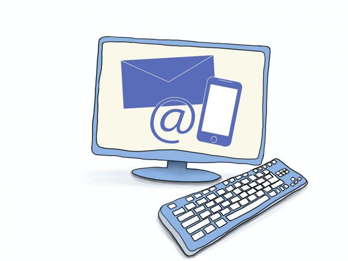 Grafik eines Computers, auf dem Bildschirm die Darstellung eines Briefumschlags, eines Mobiltelefons und ein @-Zeichen. © www.online-coaching-ott.de