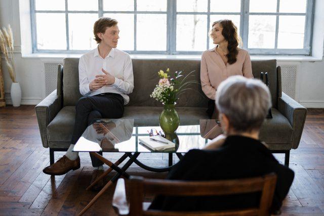 Relatietherapeut vs. relatiecoach: wat is het verschil?