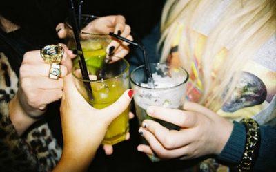 El alcohol en verano: control de daños