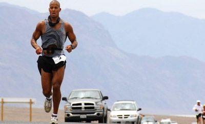 Si corres, necesitas hacer pesas