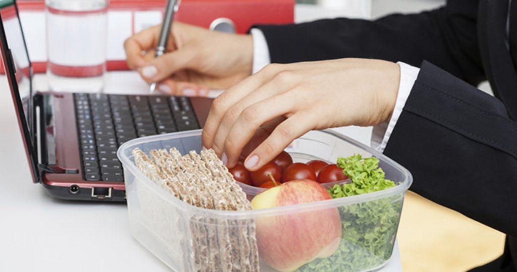 Consultas Transformer: comer en el trabajo, proteínas veganas y cerveza 0,0