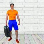 Haz las maletas, que vamos a entrenar: ejercicios de fuerza en casa con una maleta