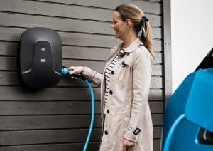 Ny smart laddbox från DEFA