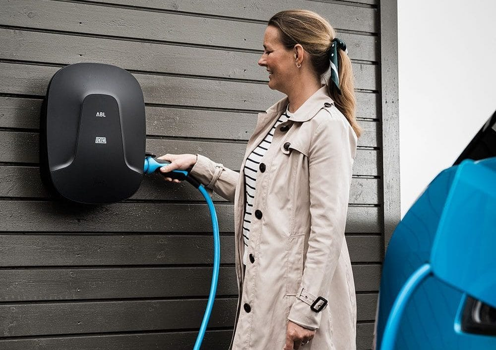 Ny smart laddbox från DEFA