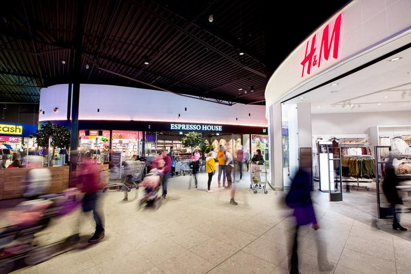 Inne på Töcksfors Shoppingsenter i Årjäng