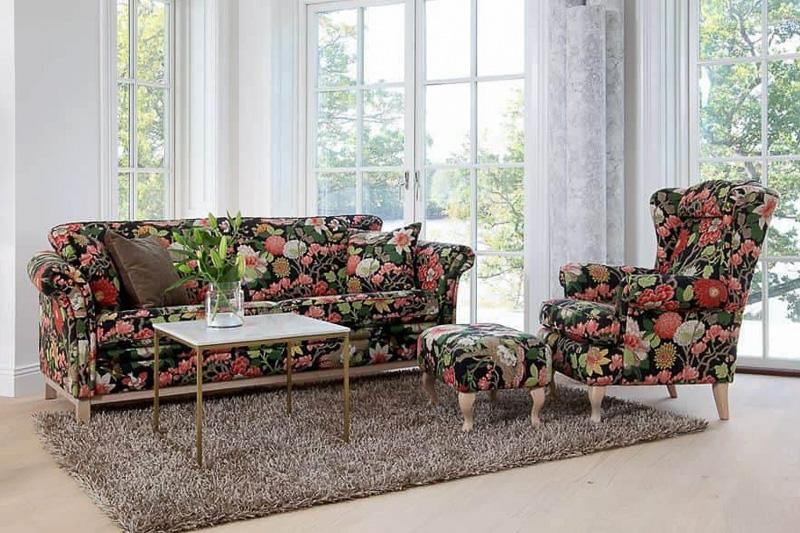 Blomstrete Wermlandsmøbler i en stue