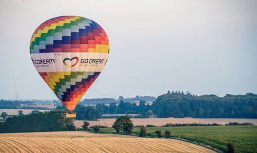 Flyv i luftballon med champagne og snacks – 1.995 kroner