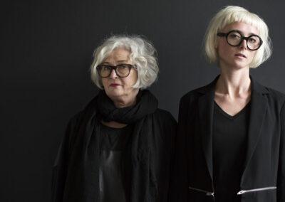 07-tekstildesigner-vaever-annemettebeck-beck&kinch-sofiekinch-portraet-annaoverholdt