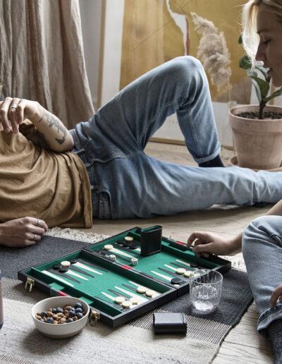 13-backgammon-hygge-modeller-modelbilleder-imageskud-kreafunk-annaoverholdt