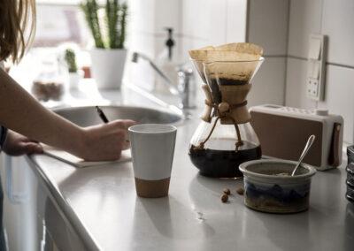 14-kaffetid-koekkenstemning-radio-miljoefoto-kreafunk-annaoverholdt