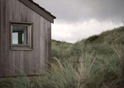 17-traehus-sommerhus-vesterhavet-siv-location-architectmade-foto-annaoverholdt