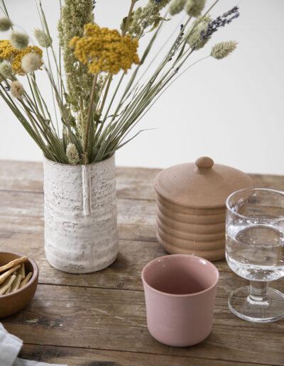 24-keramikvase-keramikkop-interioerfoto-sostrenegrene-annaoverholdt
