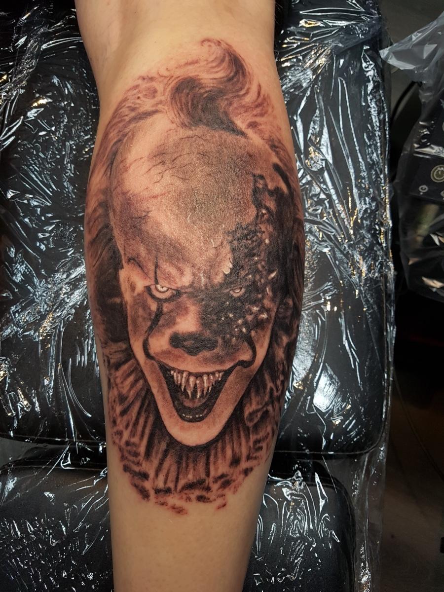Pennywise Tattoo von ES / IT