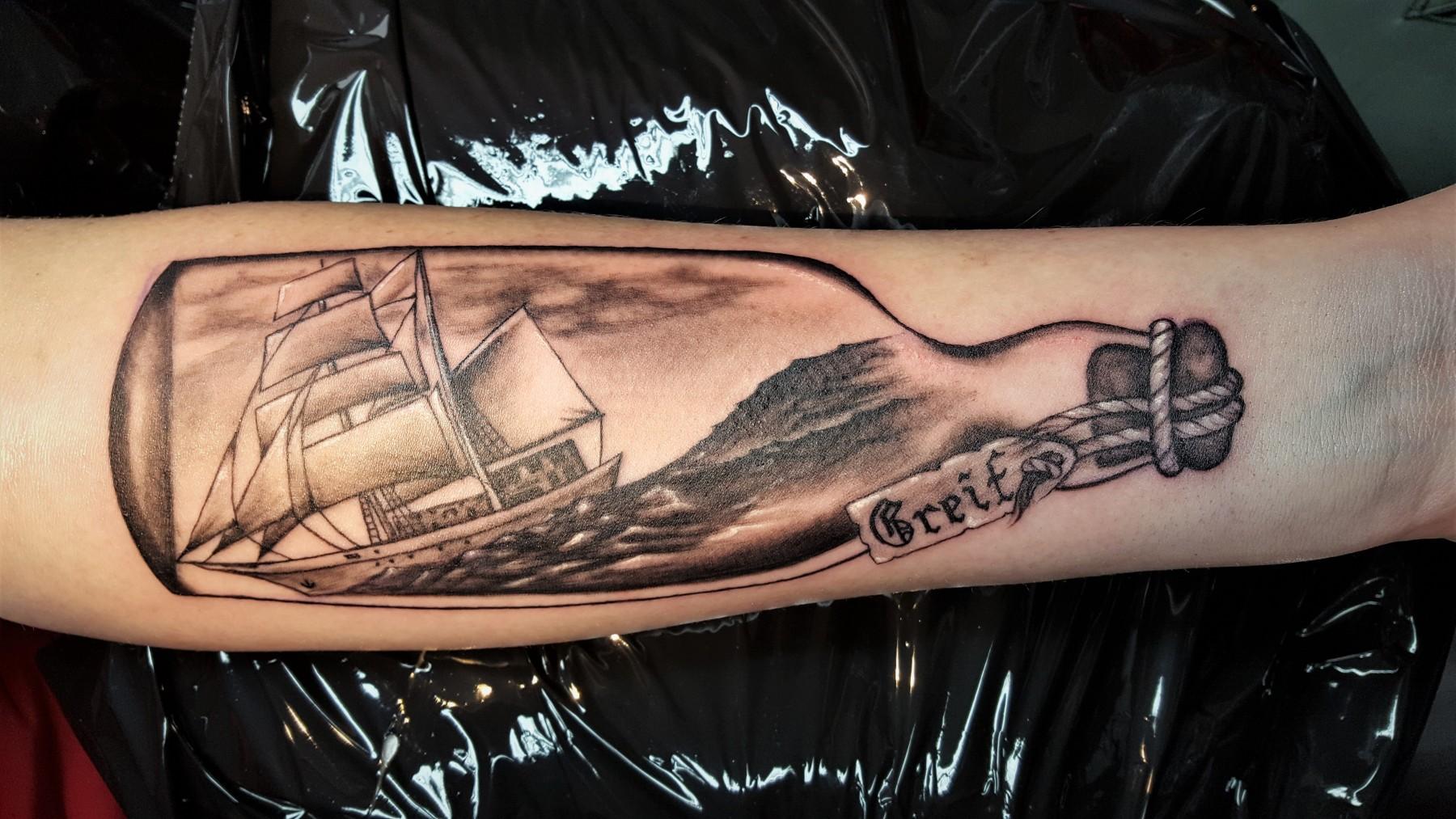 Flachenschiff Tattoo