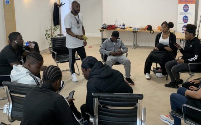 kids_sitting_in_a_circle