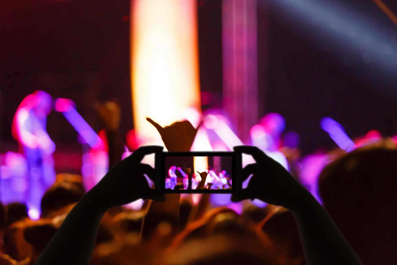 mobile-phone-at-concert-new