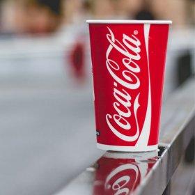 Coca Cola papkrus i det fri