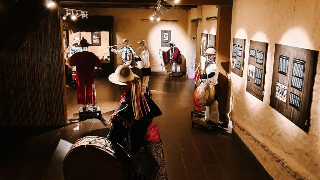 Museo de Arte Indígena Asur museum over handwerk en weefkunst in sucre bolivia