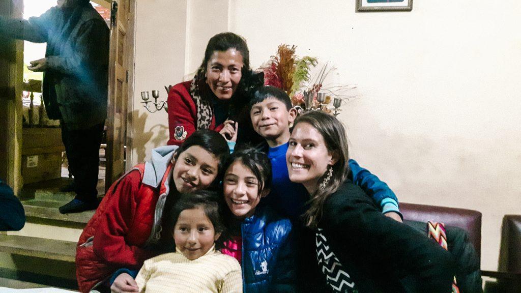 Deborah op bezoek bij mijnwerkersfamilie