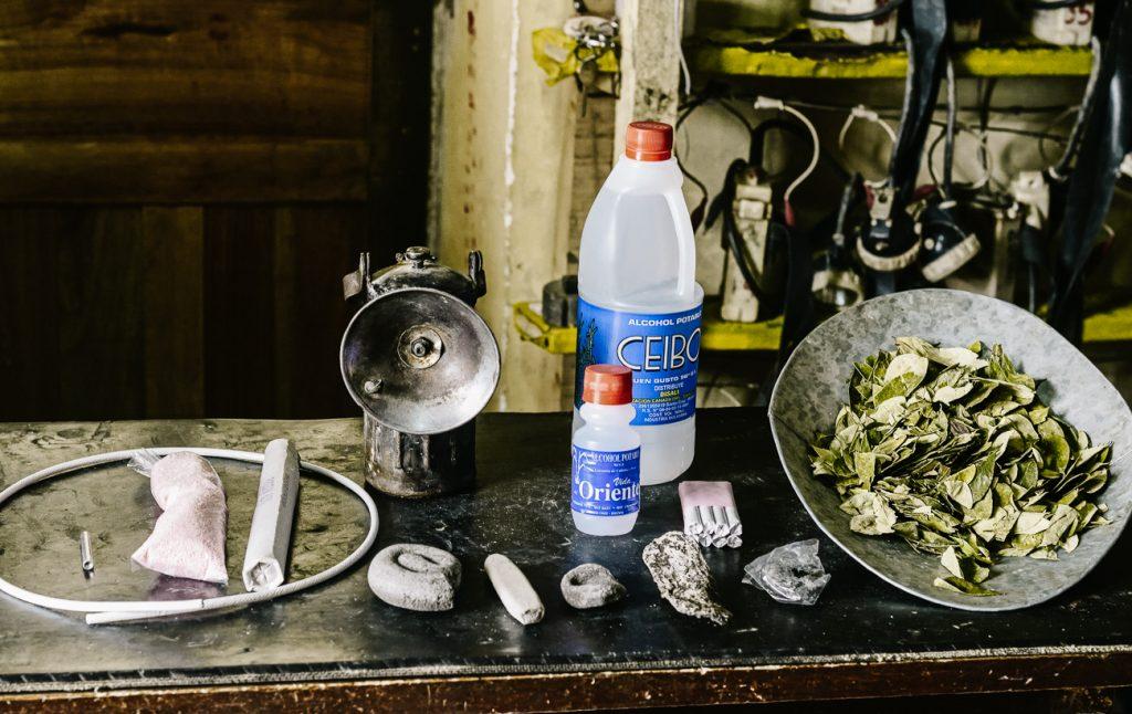 producten die op een mijnwerkersmarkt worden verkocht