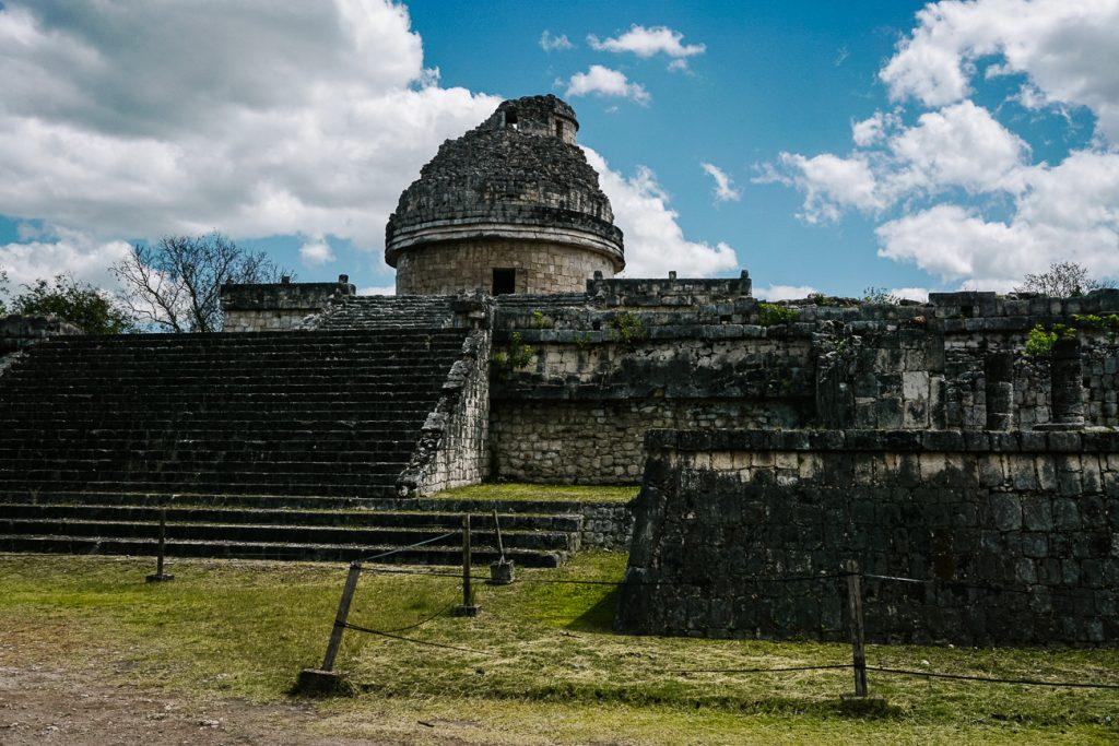 het observatorium in Chichen Itza, een van de bekendste maya tempels in Mexico