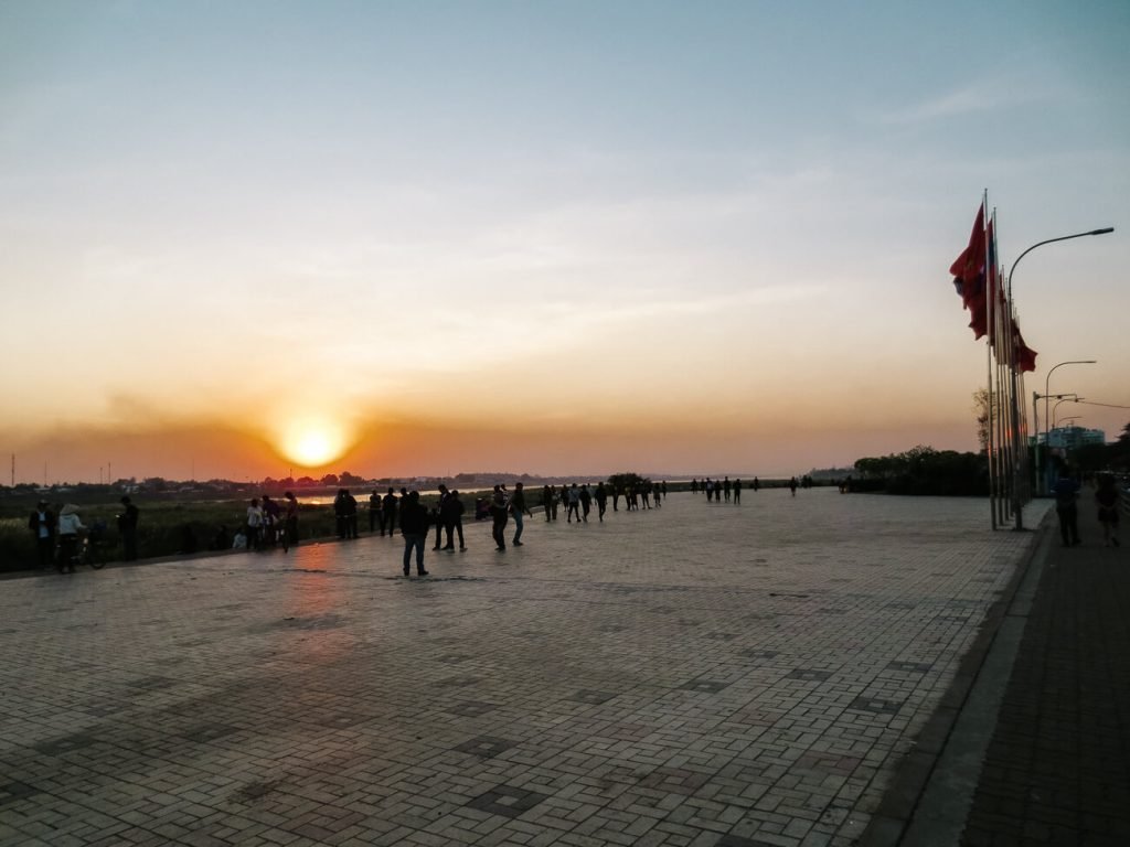 Things to do in Vientiane | Mekong sunset