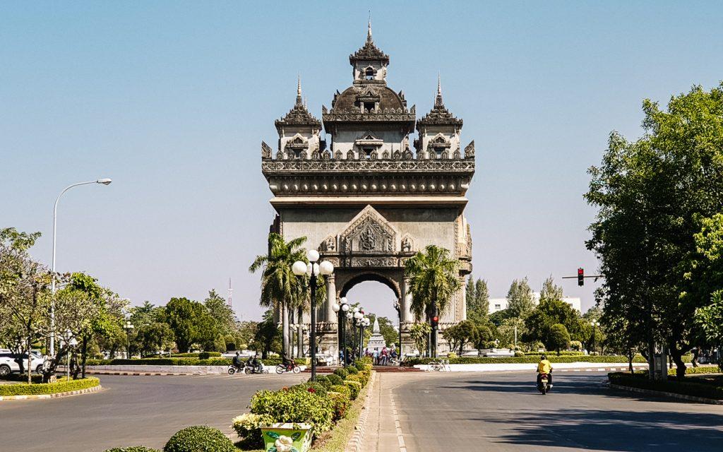 Vientiane bezienswaardigheden | Patuxai