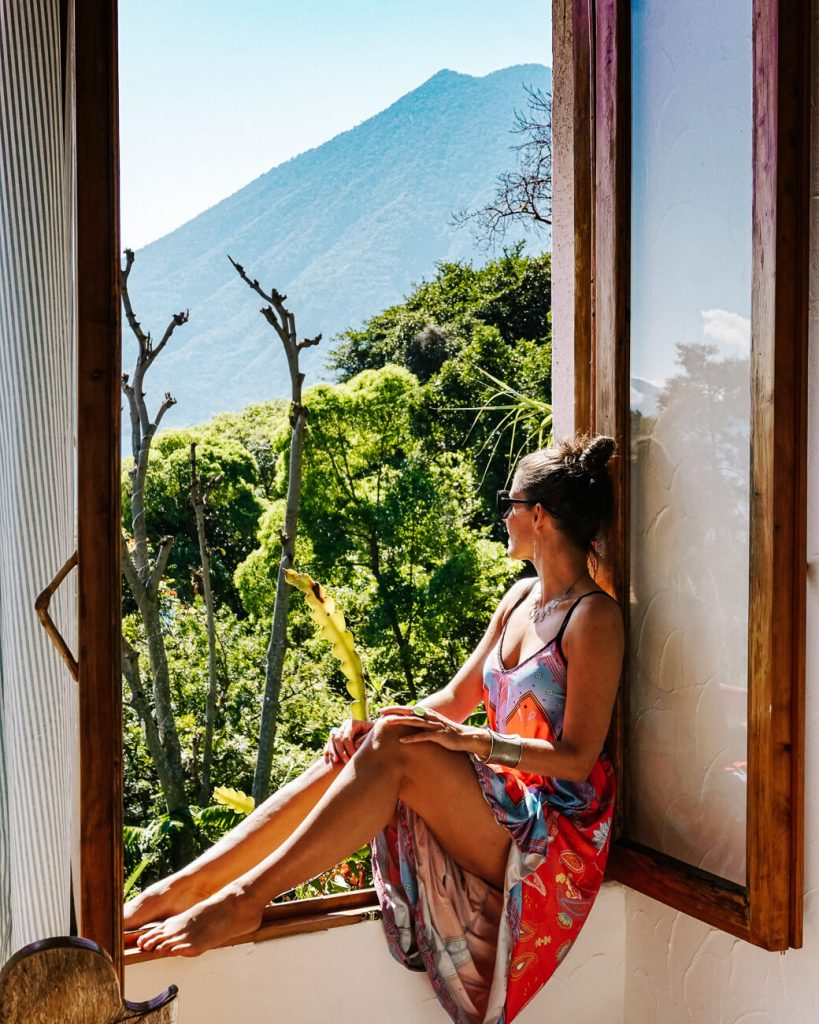 room with volcaano view, part of the list where to stay in Guatemala