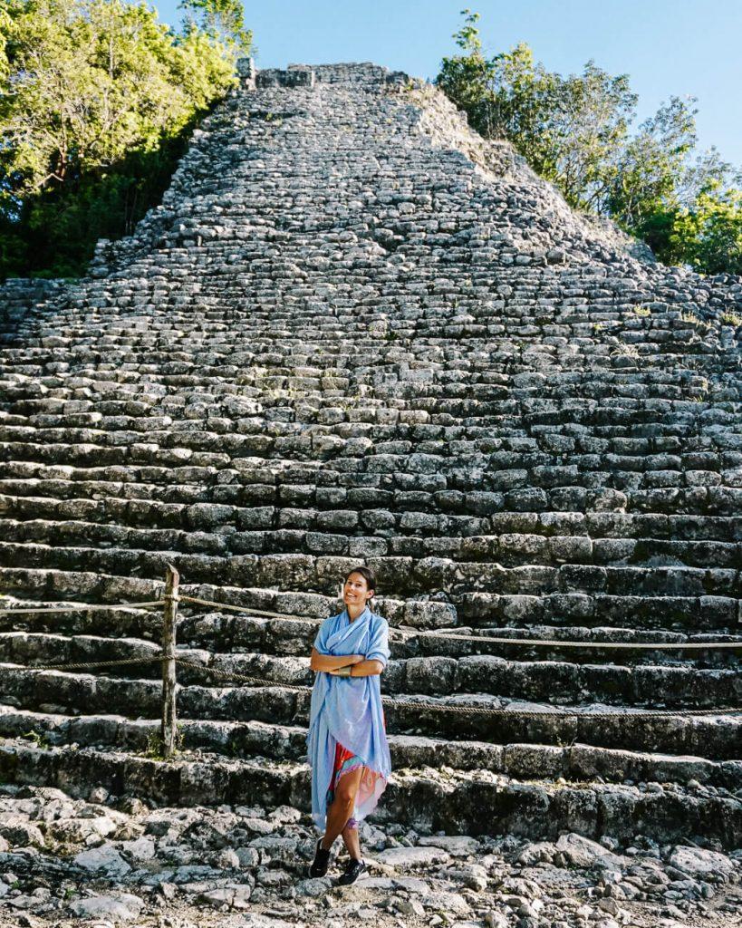 Deborah op de archeologische maya site Coba