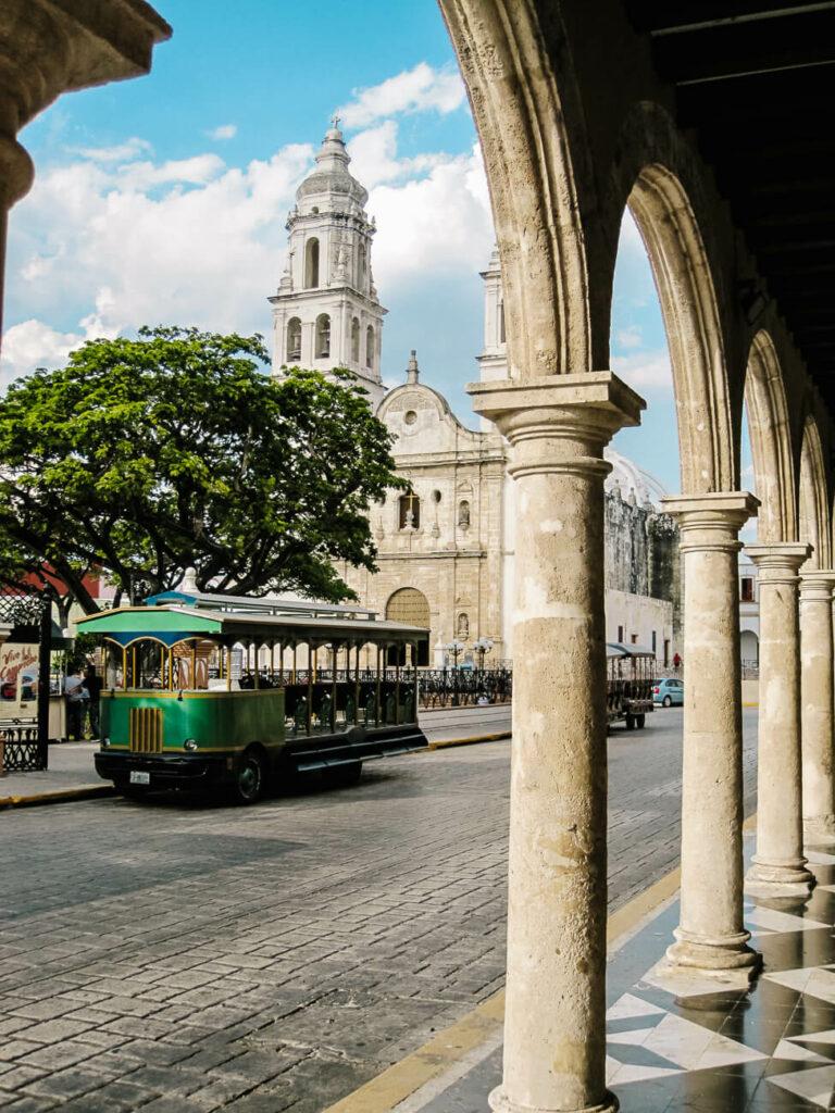 het centrale plein van campeche mexico