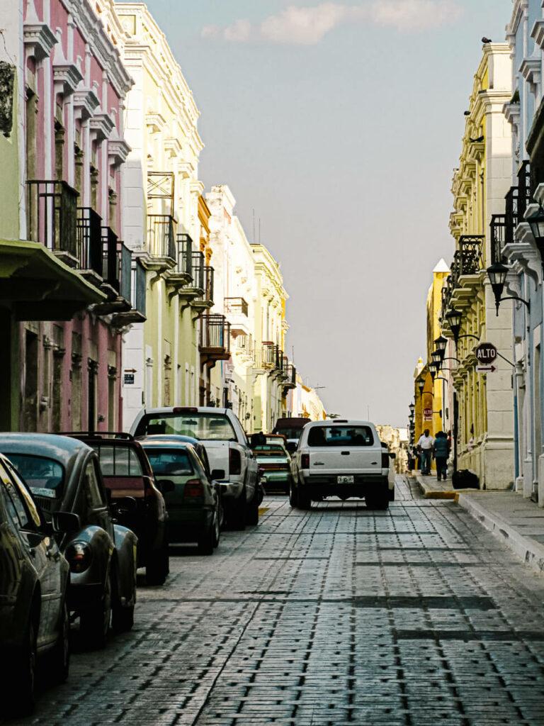gekleurde huizen in Campeche