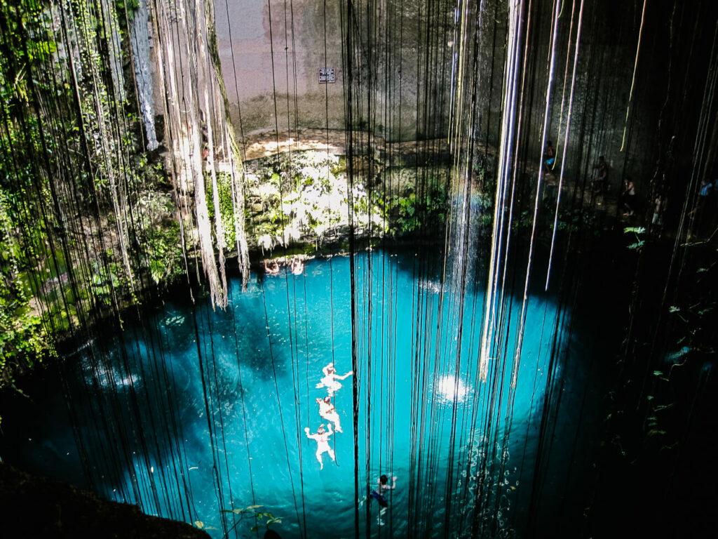 Cenotes Ik kil, een van de top bezienswaardigheden van Yucatan op Mexico