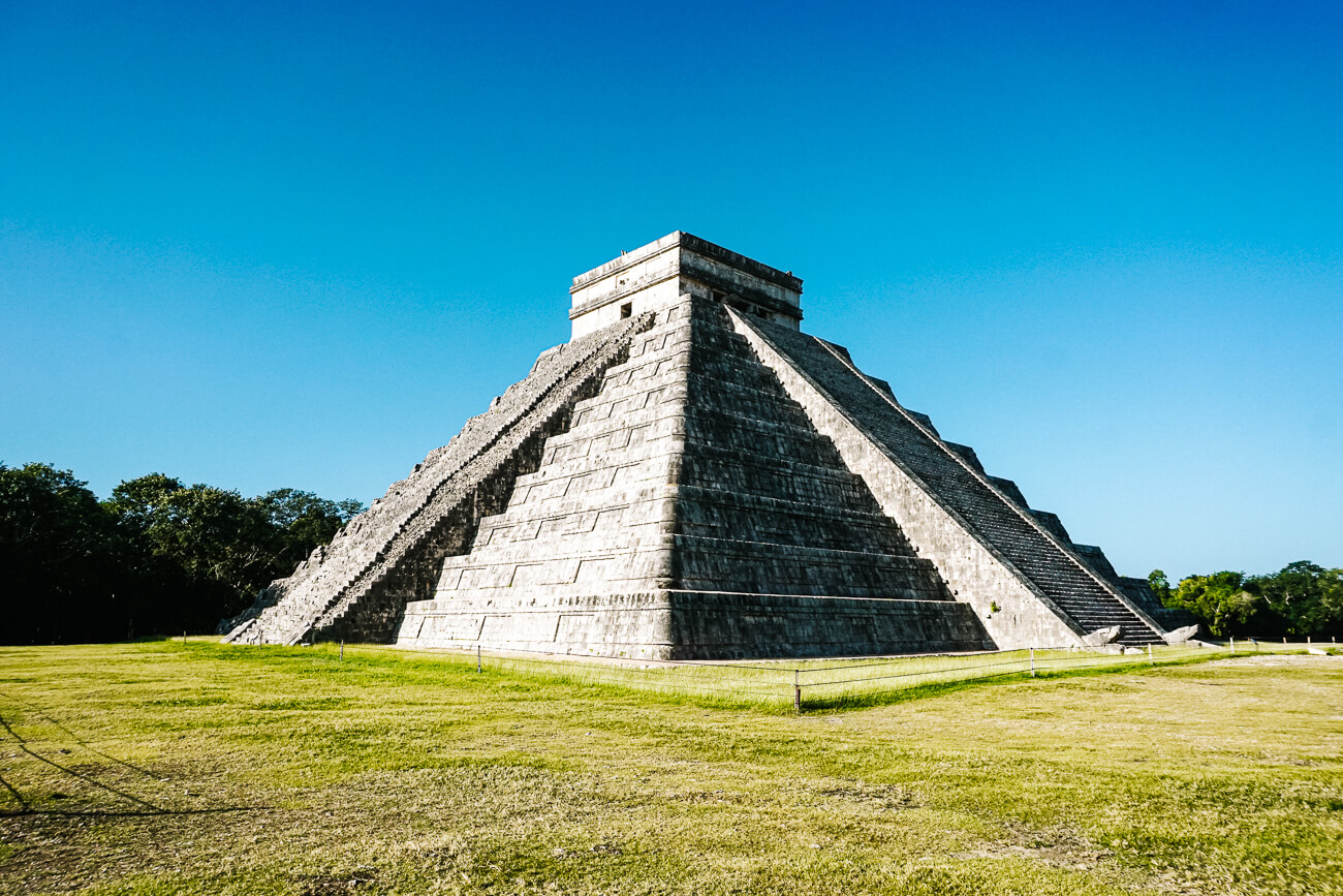 maya tempels en ruines van Chichen Itza, Mexico