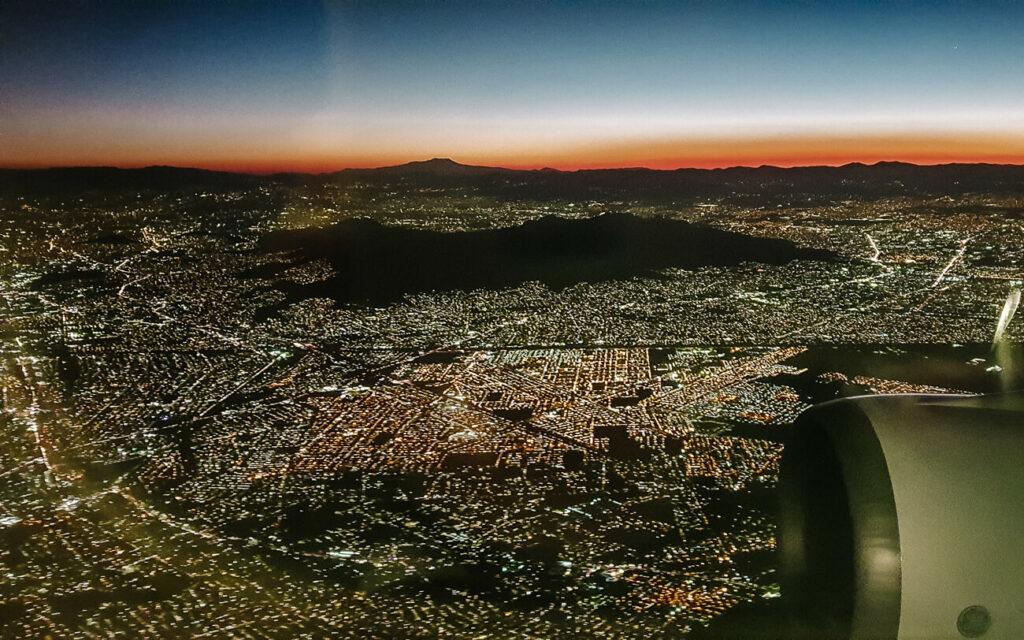 uitzicht vanuit het vliegtuig over Mexico stad