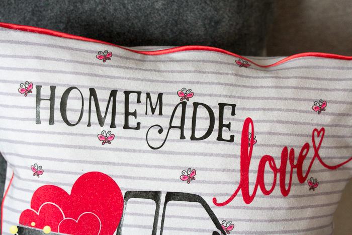 Homemade Love Kissen mit Plotterdatei Love-PickUp