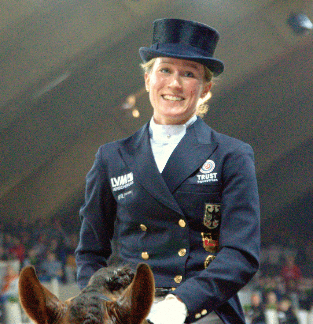 Helen Langehanenberg Von World Dressage Masters - https://www.flickr.com/photos/wdmmedia/8320650995/, CC BY 2.0, https://commons.wikimedia.org/w/index.php?curid=27085393