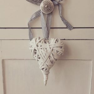 Rustic Chunky White Heart - SmallRustic Chunky White Heart - Small