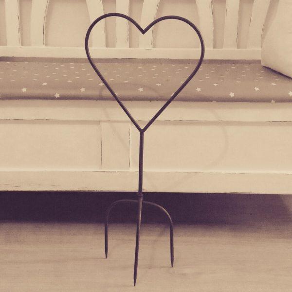 19701 Metal Garden Heart 69cm High