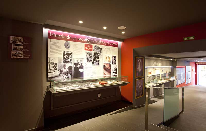 Interior del Mallorca Pearl Museum detalle de la Historia de Majorcia