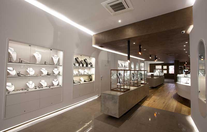Interior de nuestra tienda de perlas PerArt Cort Majorca Pearls
