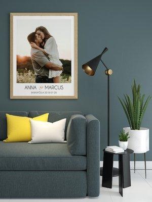 Poster med bild och text