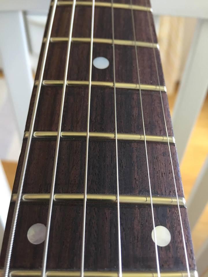 Gibson Flying V - greppbräda, ombandad