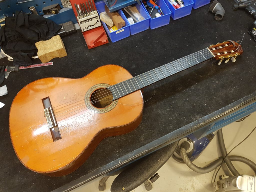 Cornelis gitarr
