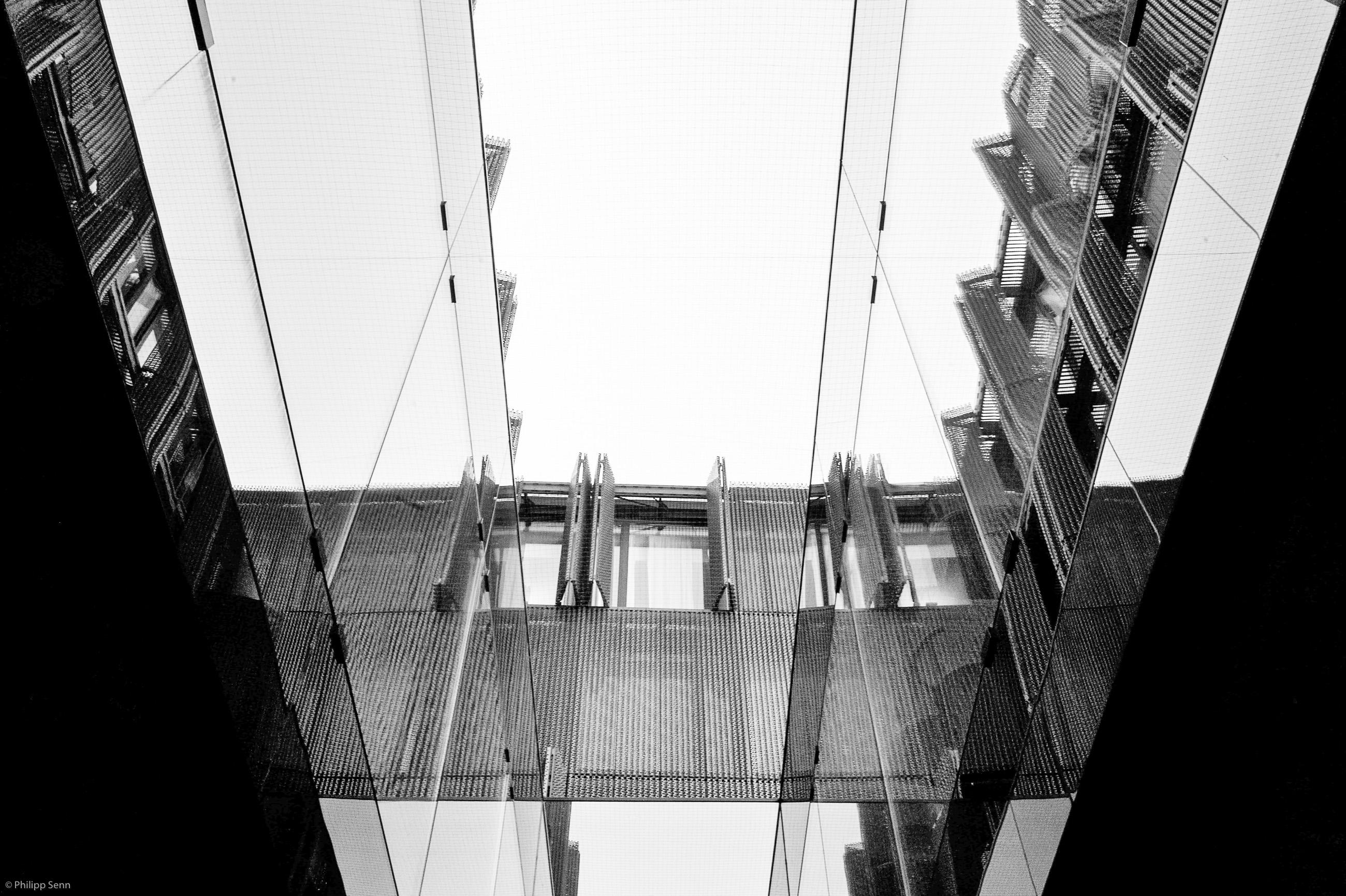 © Philipp Senn. 2011.