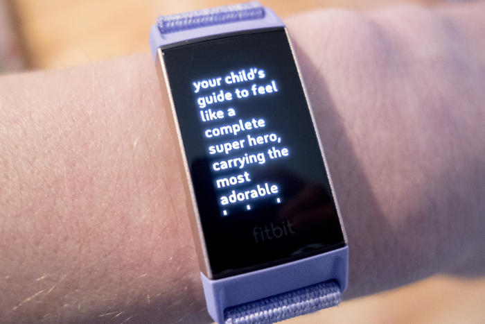 fitbit charge 3 text