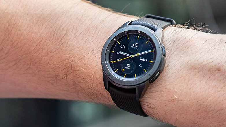 AndroidPIT samsung galaxy watch 42 hero