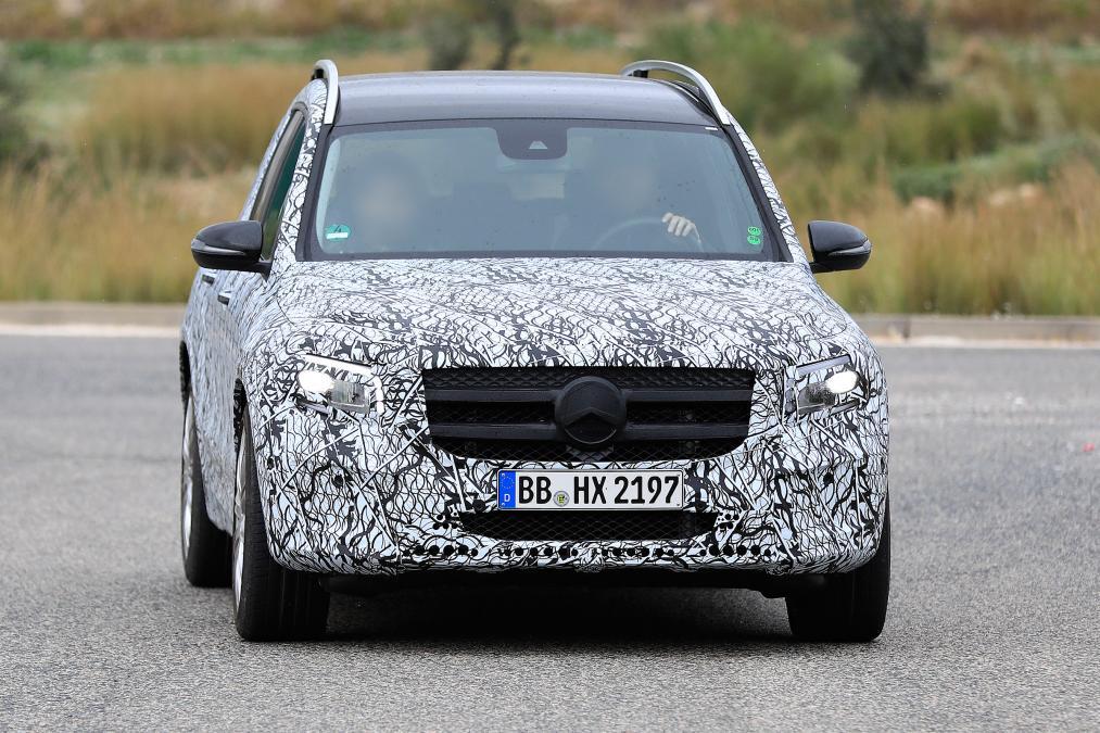 Mercedes GLB - spyshot 3